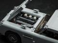 Aston-Martin-LEGO-10