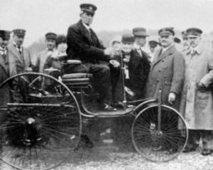 Karl Benz su Patent Motorwagen