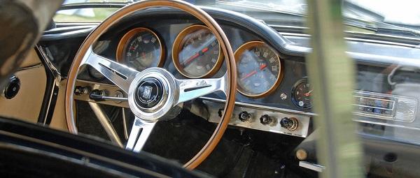 Libro: Nardi una storia di automobili e volanti di Varisco Franco