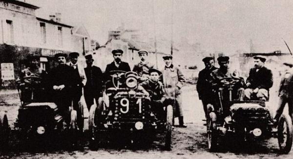 Il 22 luglio del 1894: la prima corsa automobilistica.