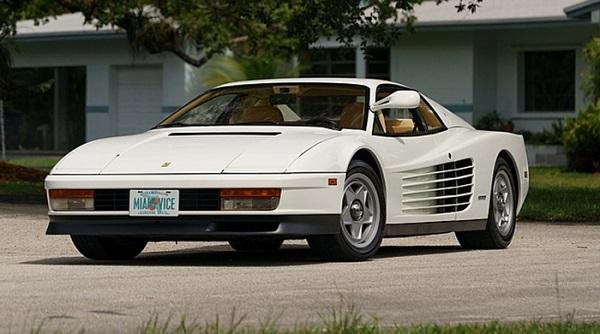 La Ferrari testarossa di Miami vice all'asta.