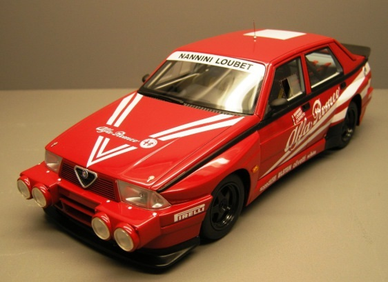 Modellino Alfa Romeo 75 Turbo Evoluzione by Top Marques
