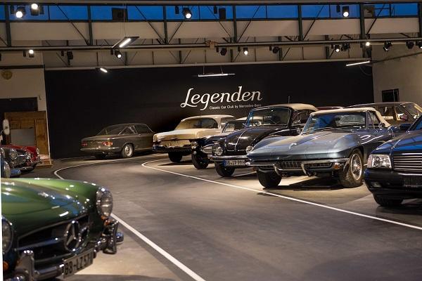 Il car sharing con le auto d'epoca proposto da Mercedes.
