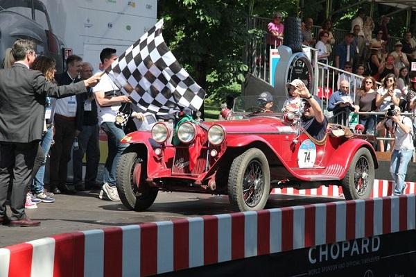 Mille Miglia da record, trionfa la coppia Vesco-Guerini.