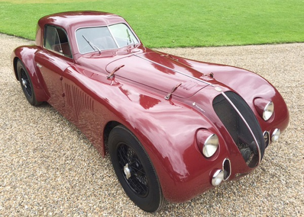 Una rara Alfa Romeo 6C 2500 Supersport all'asta in Germania.