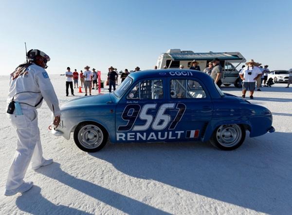 Renault torna 60 anni dopo sul Lago Salato per nuovi record.