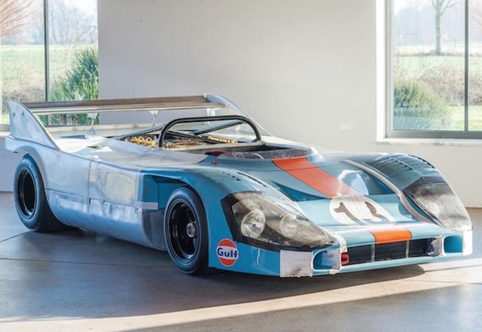 Duello Alfa Romeo – Porsche all'asta di Rétromobile.