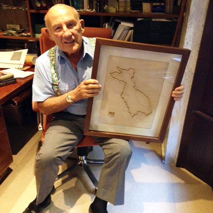 Un quadro firmato da Sir. Stirling Moss.