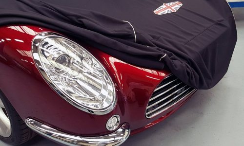 Speedback GT, una moderna auto d'epoca inglese.