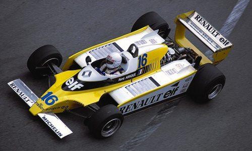 Sfilata di Renault F1 d'epoca.