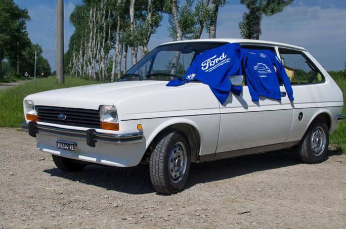 Una Fiesta benefica al raduno Ford di Vernazza.