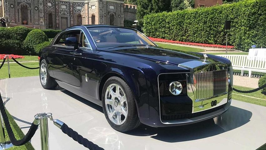 Al Concorso d'Eleganza di Villa d'Este una Rolls Royce su misura.
