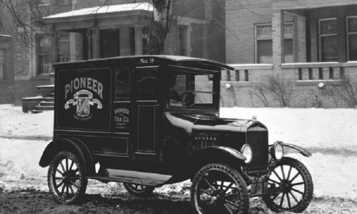 Ford celebra 100 anni veicolo commerciale Model TT.