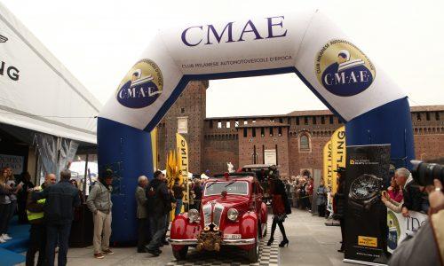 Trofeo Milano 2017: le belle auto d'epoca al Castello Sforzesco.