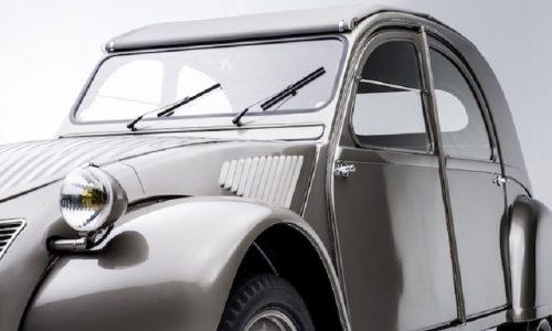 Citroen festeggia un doppio anniversario al Rètromobile di Parigi.