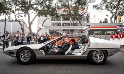 Lamborghini festeggia mezzo secolo di Espada a Monte Carlo.