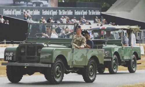 Sfilata a Goodwood per le mitiche Land Rover del 1947 e 1948.