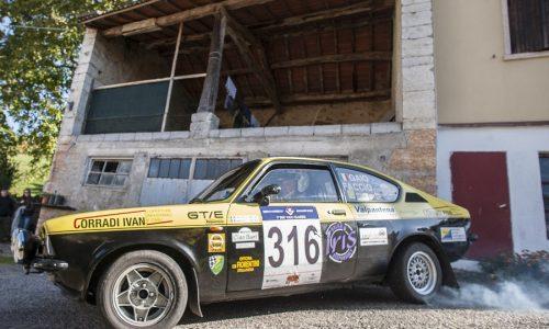17 equipaggi all'ottava edizione del Due Valli Classic.