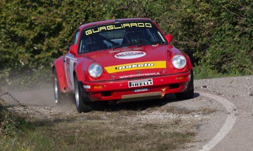 Il 13° Rally Due Valli Historic è di Guagliardo-Granata su Porsche 911 Sc RS.