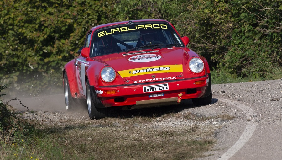 Il 13° Rally Due Valli Historic è di Guagliardo-Granata su Porsche 911 Sc RS.