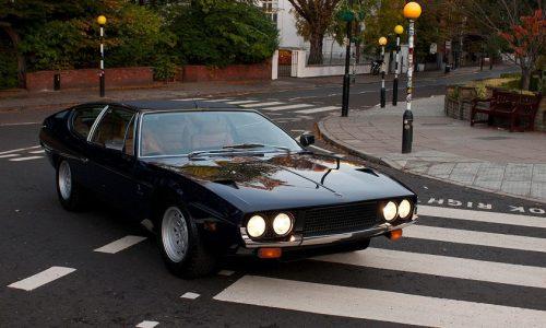 La Lamborghini Espada festeggia i suoi cinquant'anni ad Abbey Road.