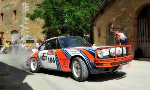 Finita l'attesa, il 9° Tuscan Rewind, sta per accendere i motori.