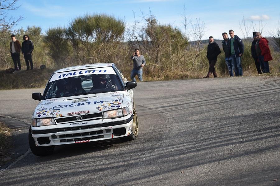 La Subaru Legacy di Riolo-Floris sbanca l'Historic Rally delle Vallate Aretine 2019.