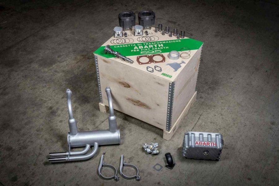L'iconico kit di elaborazione motore marchiato Abarth.