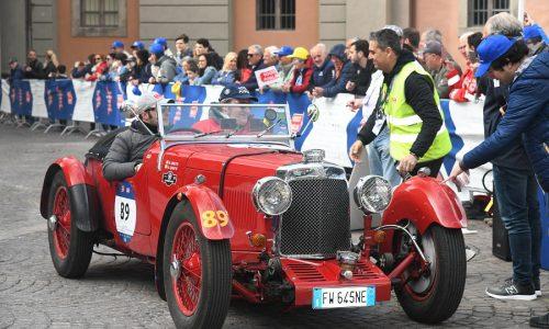 Le auto della Mille Miglia in direzione Bologna per il finale della terza tappa.