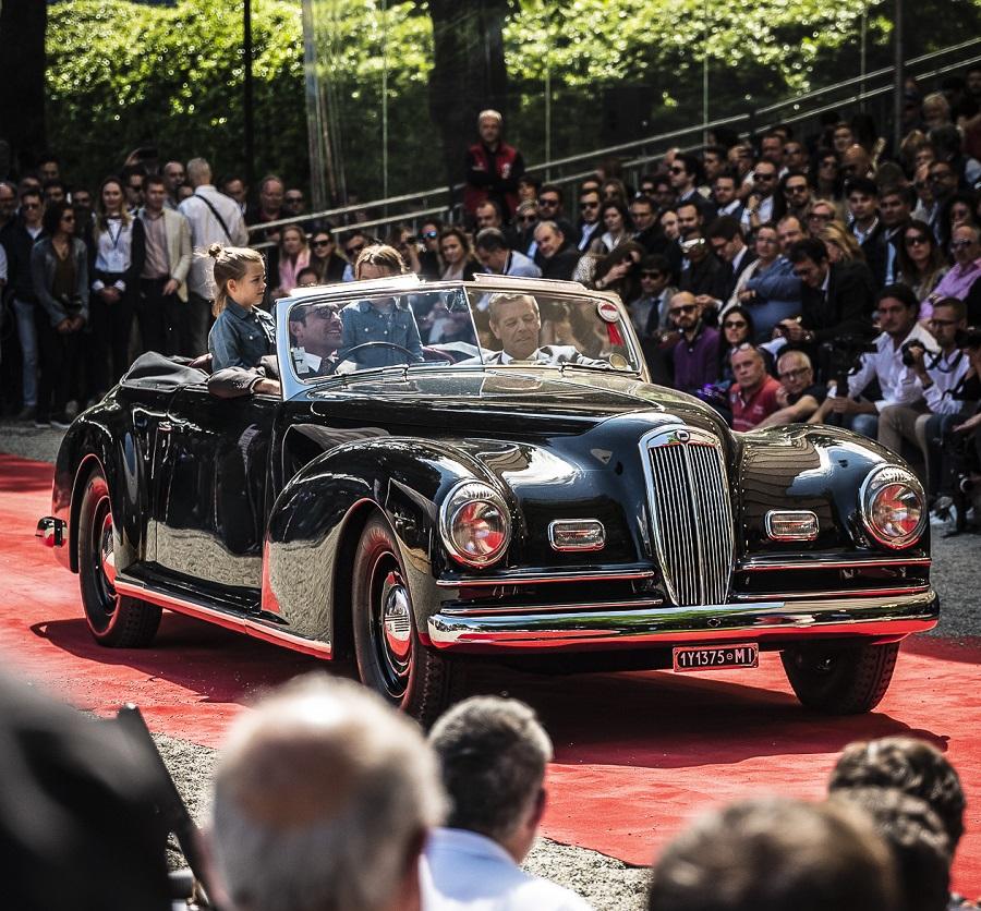 "Una Lancia Astura Serie IV vince il ""Trofeo BMW Group Italia"" al Concorso d'Eleganza Villa d'Este."