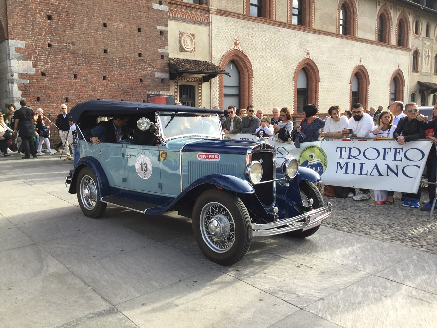 Giovanni e Riccardo Bertoni su Alpine A110, fanno loro il Trofeo Milano 2019.