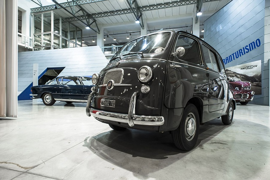 La mitica Fiat 600 Multipla conquista Londra.