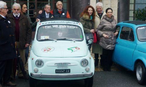 Befana al Gaslini con le Fiat 500 e la Fata Zucchina.