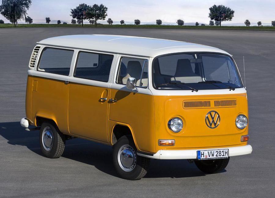 Volkswagen Transporter, 70 anni di funzionalità e allegria.