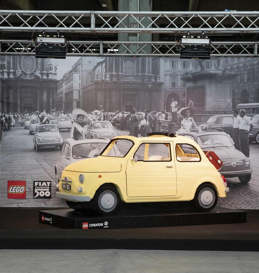 """La """"Dolce Vita"""" di Fiat e LEGO con la 500F."""
