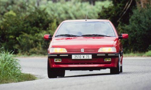 Peugeot 405 T16, berlina fuori e supersport sotto il cofano.