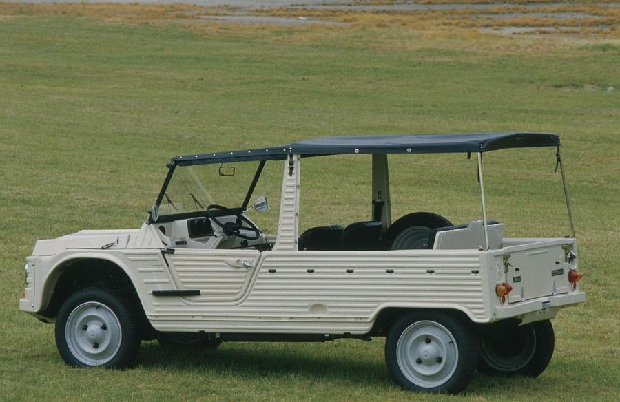 Citroen Méhari, nel 1947 nasceva l'idea dell'auto 'di plastica'.
