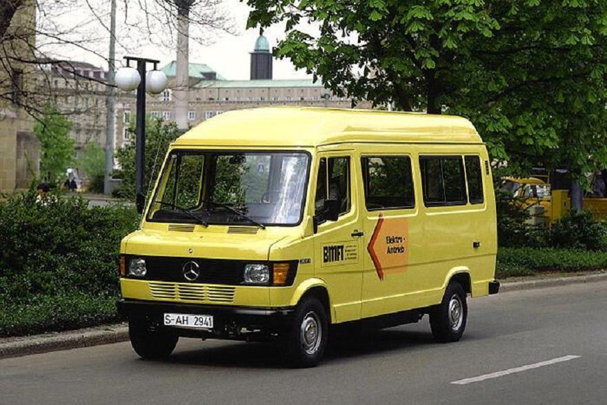 Mercedes 307 E, quaranta anni fa primo moderno van elettrico.