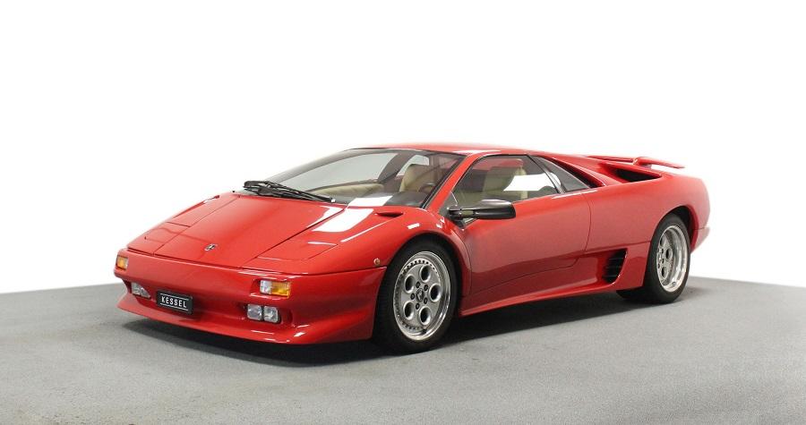 La Lamborghini Diablo festeggia i 30 anni.