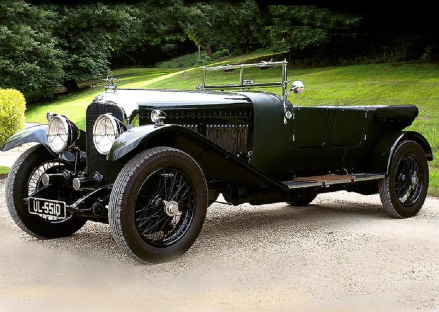 Collezione Bentley milionaria all'asta per pagare divorzio.