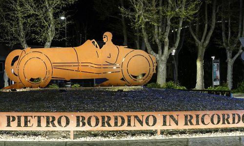 Ad Alessandria un monumento dedicato a Pietro Bordino.