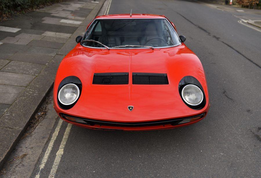La mitica Lamborghini Miura SV compie 50 anni.