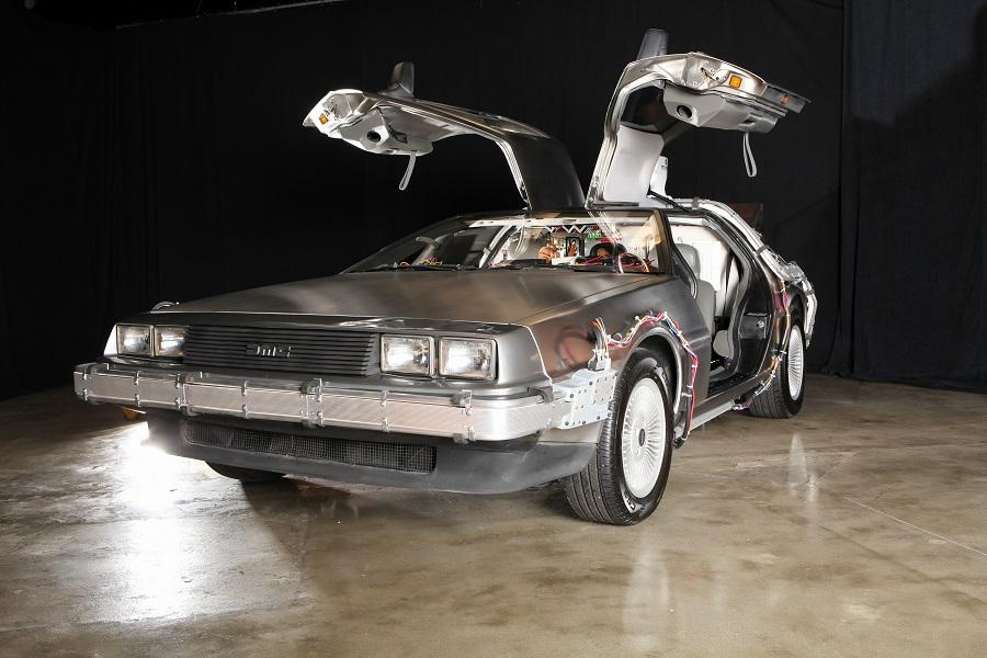 """Auto, all'asta replica della DeLorean di """"Ritorno al futuro""""."""