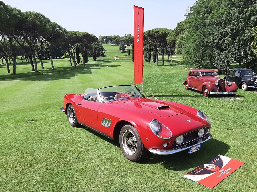 Al Reb Concours di Roma svetta una Ferrari 250 GT California.