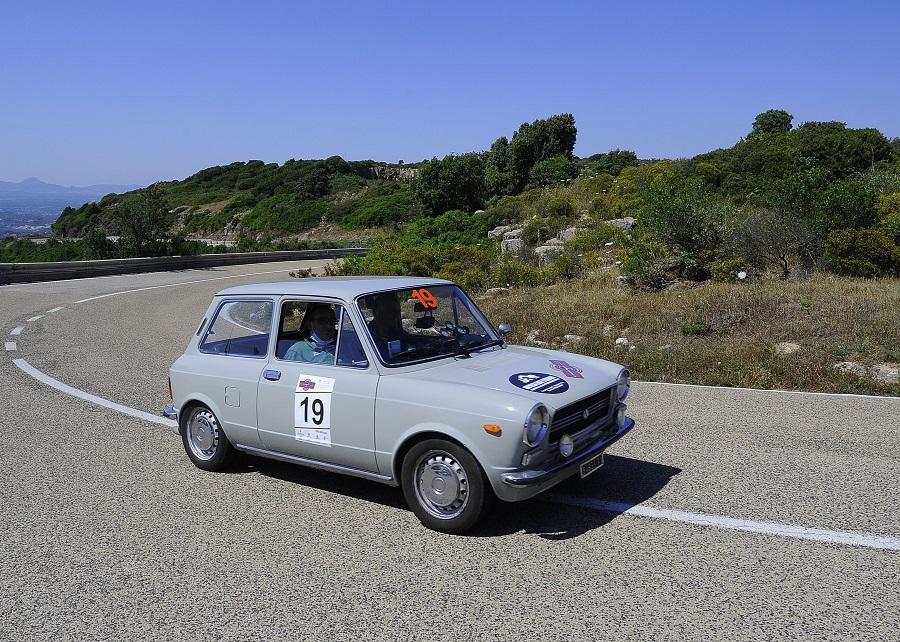 A Giuseppe Maccario e Michele Luciano su A112 la 16^ Baia delle Ninfe.