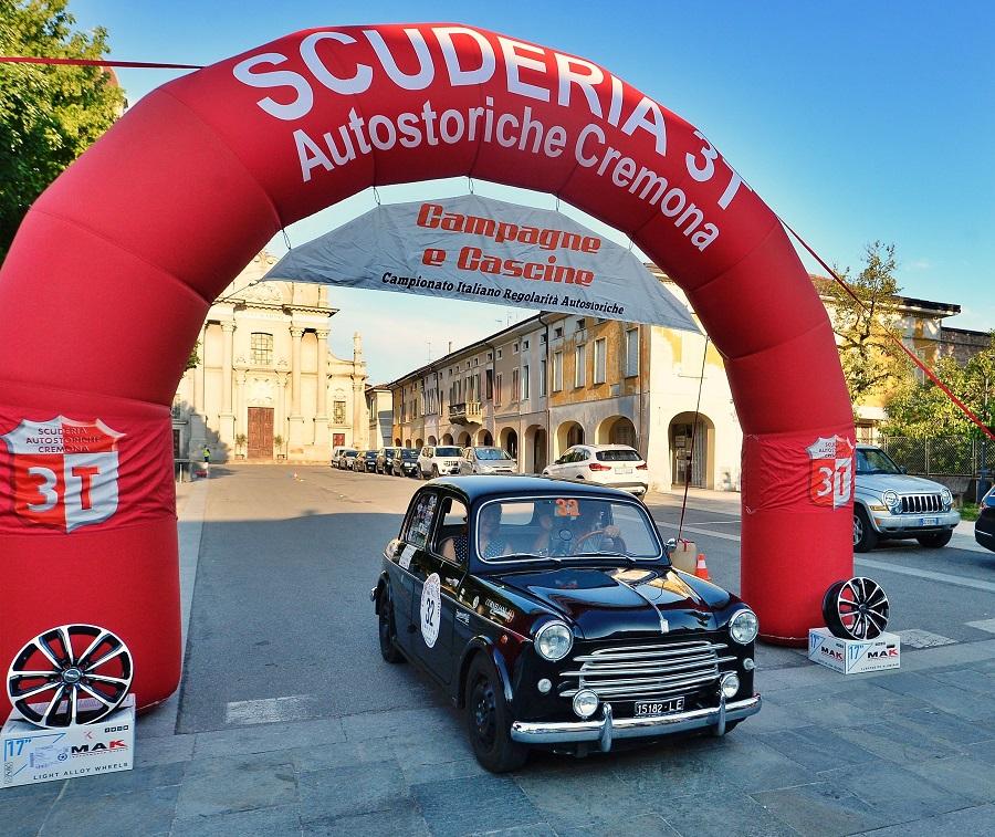 Tre Fiat 508 C sul podio del Campagne e Cascine 2021.