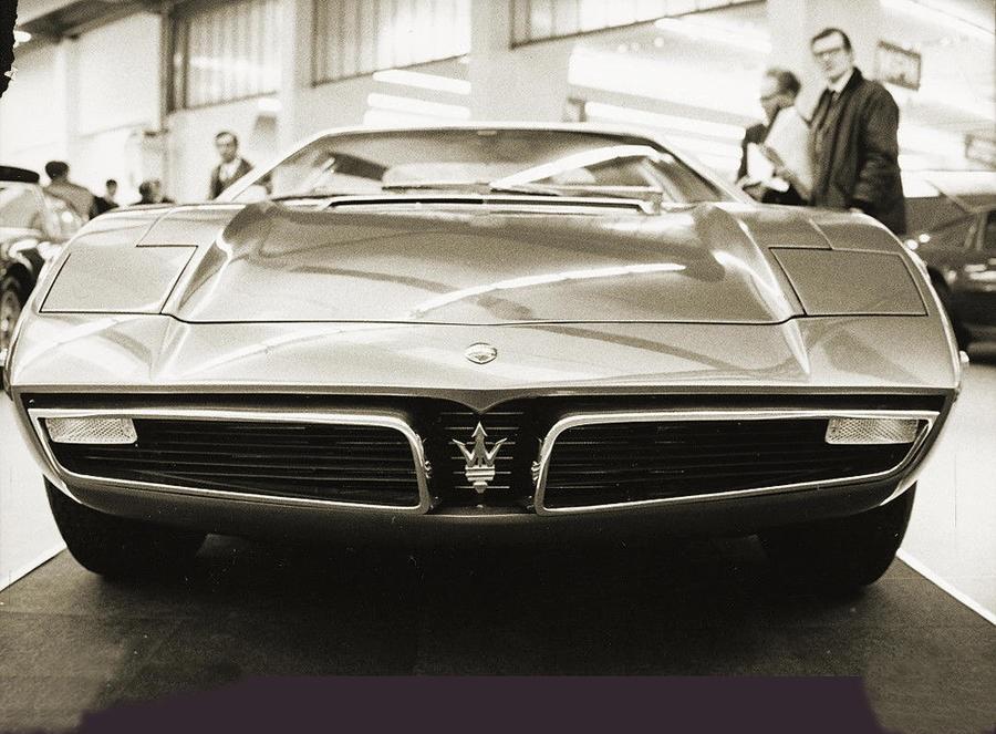 Maserati Bora, mezzo secolo fa emozionò come l'attuale MC20.