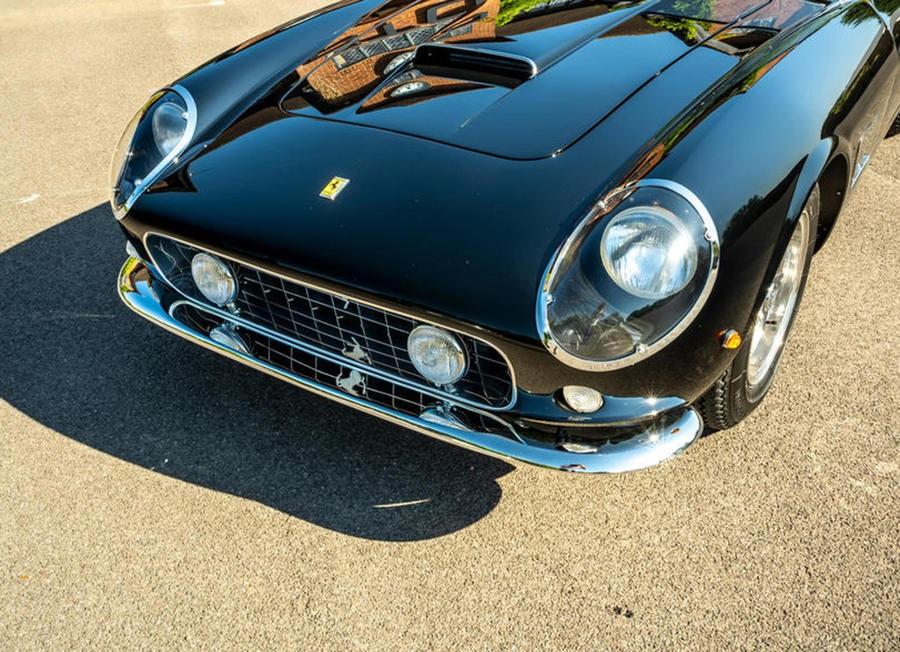 GTO Engineering California Spider, replica dell'icona 1960.