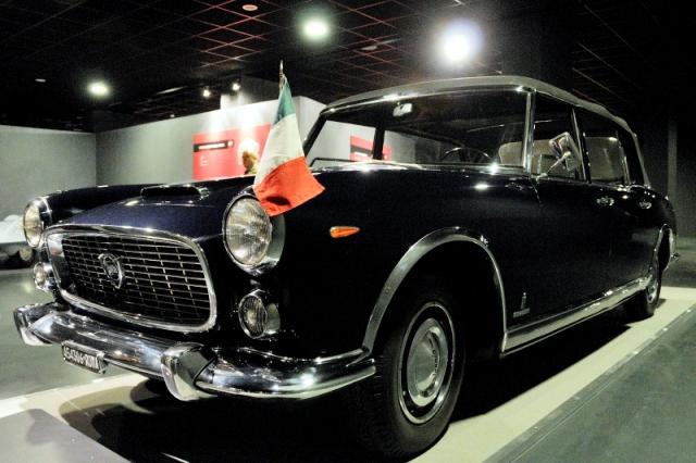 Le Lancia Flaminia del Presidente della Repubblica Italiana ricevono la Targa Oro dell'ASI.