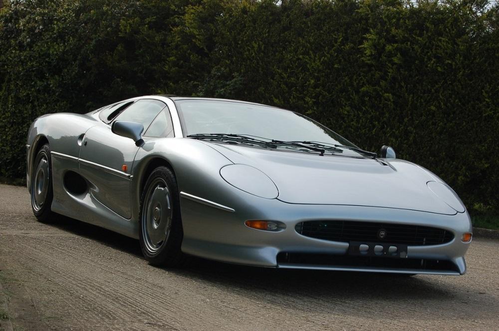 JAGUAR XJ220: la supercar britannica!